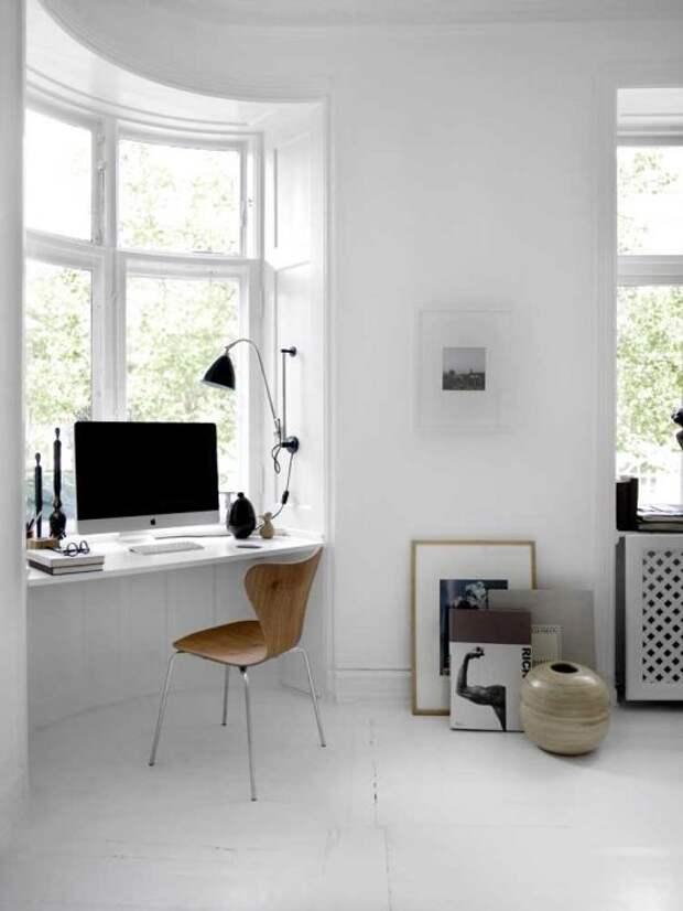 16. Домашний офис на подоконнике