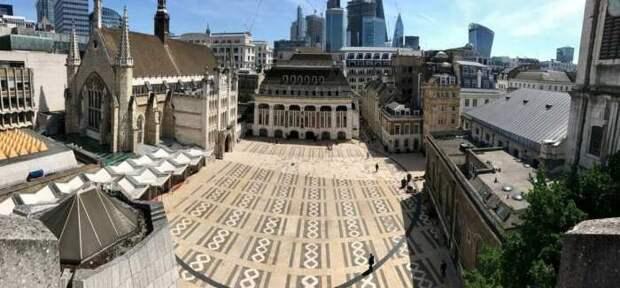 Вид сверху на двор Гилдхолл. \ Фото: londontown.com.