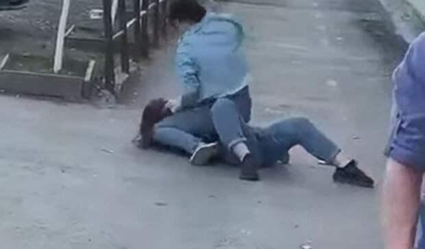 Жестокая женская драка напороге ночного бара «Pecado» вТюмени