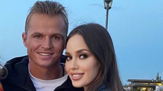 Тарасов и Костенко назвали пол своего будущего ребенка