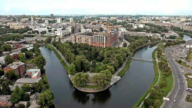 Харьковский депутат назвал фашистами людей, сорвавших плакаты ко Дню Победы