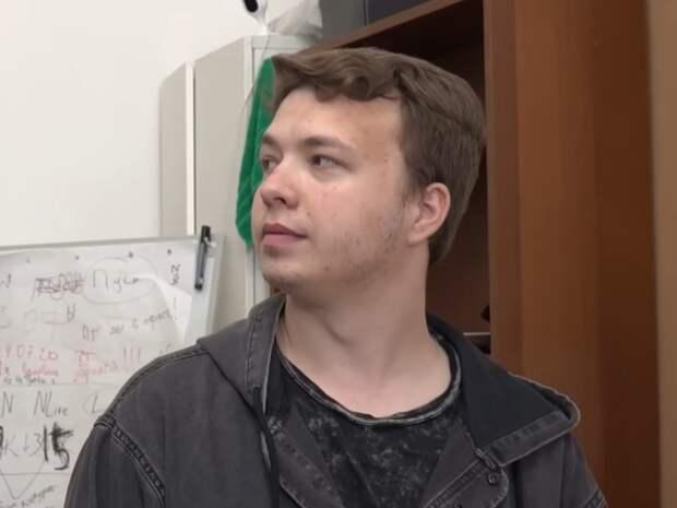 «Эмоции абсолютно неискренние»: психиатр проанализировал поведение Протасевича в интервью ОНТ