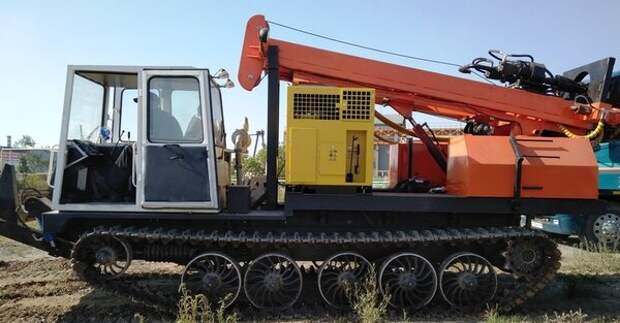 Буровая установка на базе трактора ТСН-4