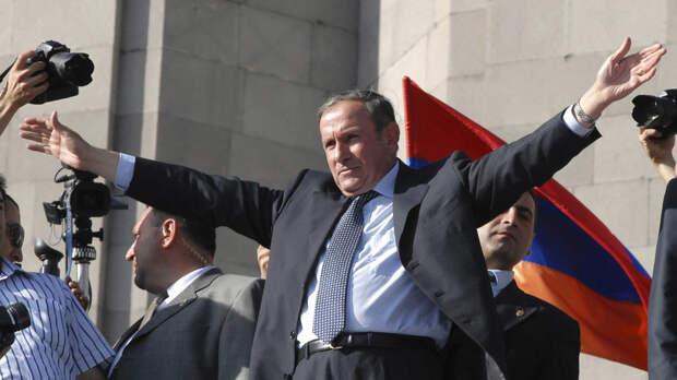 Первый президент Армении заявил о планах стать кандидатом в премьеры