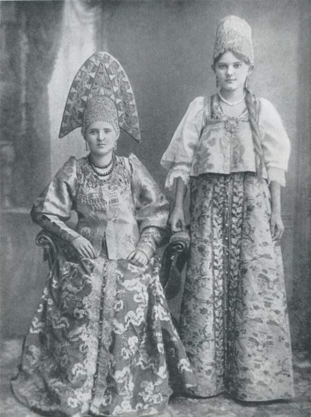 Женщины из семьи купца. Городец, Нижний Новгород. Конец XIX века Крестьяне, россия, старые фото