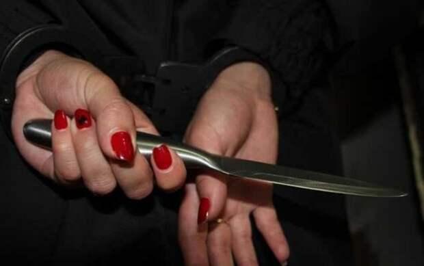 нож в руках