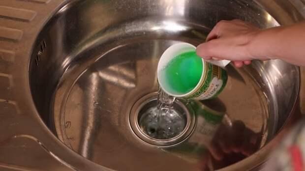 Дельный совет сантехника: как не дорого справиться с засором и запахом из канализации