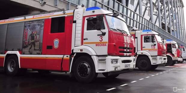 На Строгинском бульваре произошёл пожар в жилом доме