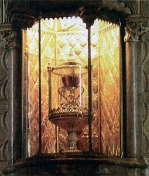 Святая чаша Грааля в кафедральном соборе Валенсии