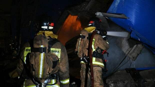 Один человек стал жертвой пожара на Петергофском шоссе в Петербурге