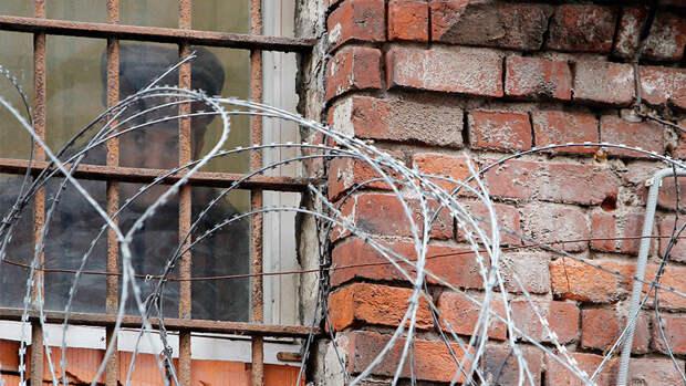 Тело осужденного нашли в туалете колонии в Томске