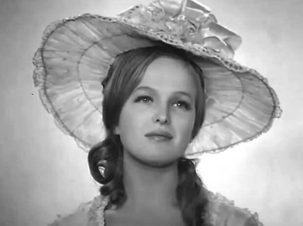 Елена Соловей в фильме *Цветы запоздалые*, 1969 | Фото: kino-teatr.ru