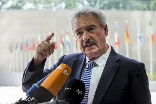 Чем мельче пёс, тем грознее тяфкает? Министр иностранных дел Люксембурга храбро грозит Лукашенко и требует его судить