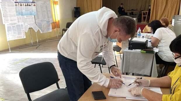 Михаил Афанасьев проголосовал на выборах депутатов Государственной Думы Федерального Собрания РФ VIII созыва