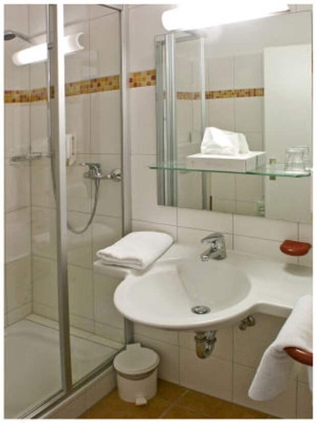 сантехника маленькой ванной комнаты
