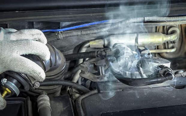Диагностика двигателя с помощью сигареты — видеоинструкция