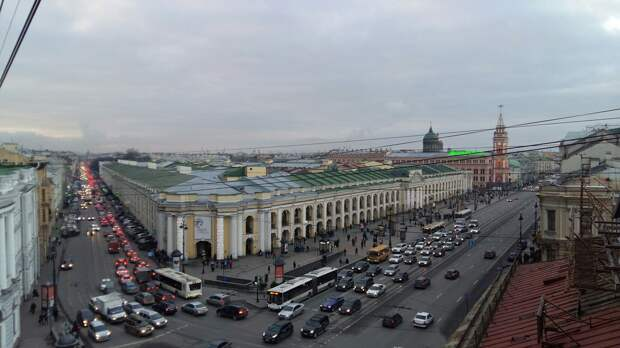 Чем заняться в Петербурге в дождь? 16 идей — от экскурсий до домашних рецептов