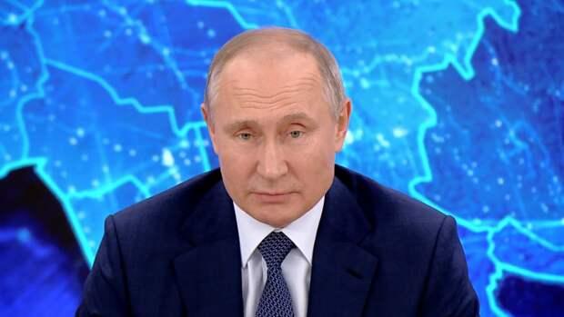 Путин выслушал доклад Шойгу о ходе подготовки к параду Победы в Москве