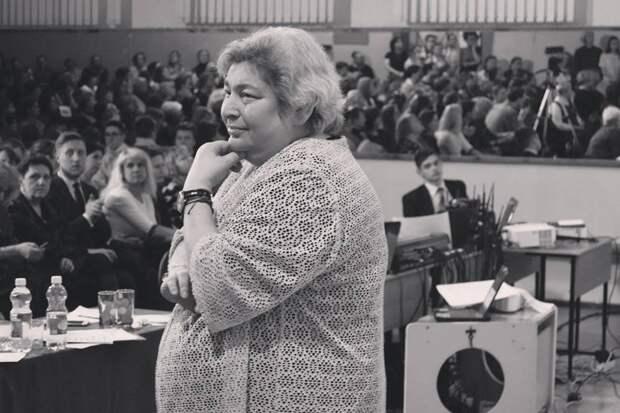 Дочь известного нижегородского педагога Елены Дейч передала архив, посвящённый Алле Пугачёвой, художнику Александру Лаврову