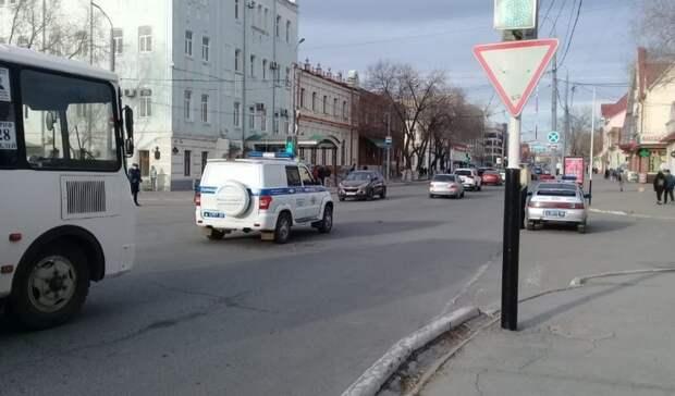 В центре Оренбурга сторонники Навального собираются на митинг