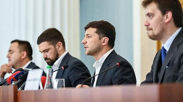 Зеленский посоветовал главе Смелы продать дорогой автомобиль и погасить долги города