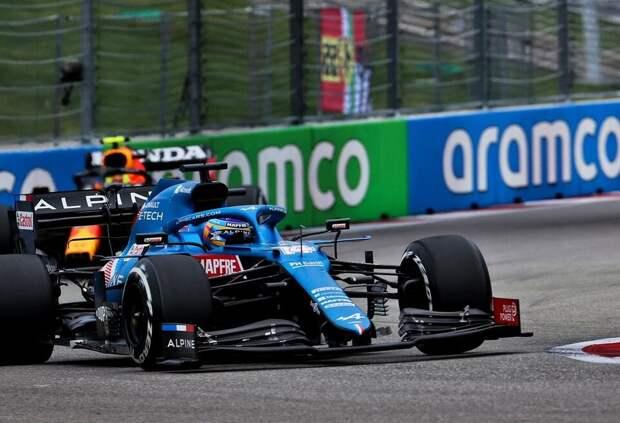 Фернандо Алонсо: За рулем машины Mercedes или Red Bull я боролся бы за титул