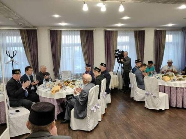В Казани почтили память легендарного татарского певца Рашита  Вагапова
