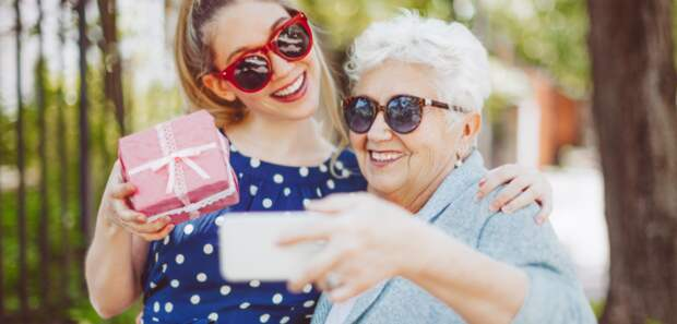 С внуками на одной волне: «словарь для бабушек» поможет понять молодёжный сленг