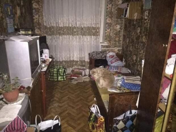 До неузнаваемости! Супруги преобразили узкую спальню, площадью 9 кв.м.
