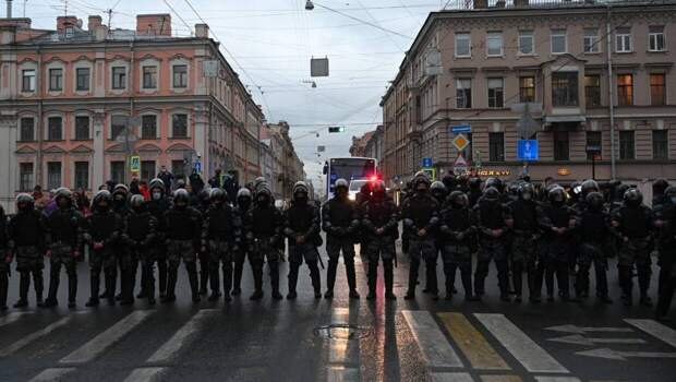 Виноградов констатировал падение протестной активности в России