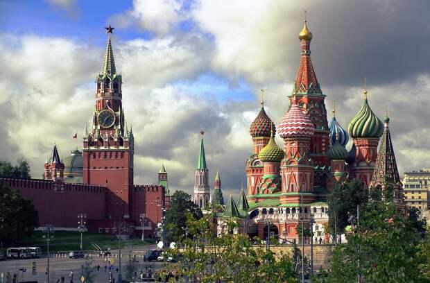Россиянам напомнили о длинных выходных в мае