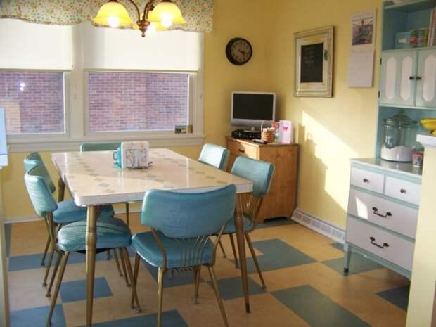 Даже самую обычную кухню получится оформить в стиле кафе.