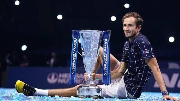 Видео победного матчбола Медведева в финале Итогового турнира ATP