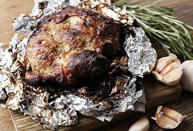 Баранина по-кипрски: огромный сочный кусок мяса