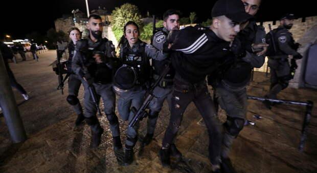 Неспокойная ночь в Иерусалиме: 50 арабов арестовано, 20 полицейских ранены, 1 еврей стал жертвой расправы