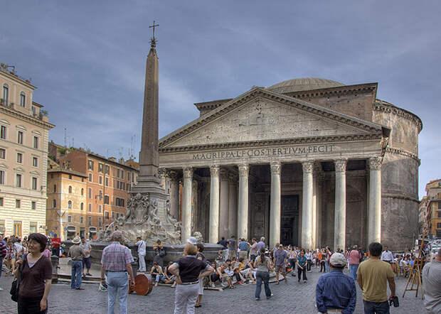 Пантеон в Риме.