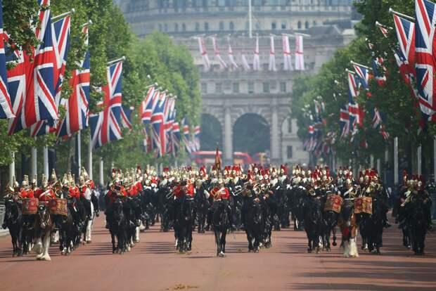Королева Великобритании Елизавета II отмечает день рождения