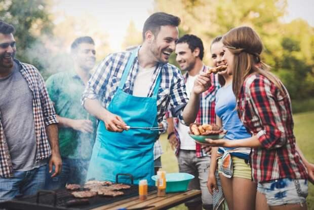 Немецкое правительство снимает ограничения: в эти выходные немцы смогут устроить барбекю с друзьями