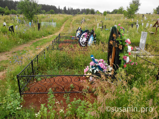 Вандалы в Удмуртии повредили около 40 могил