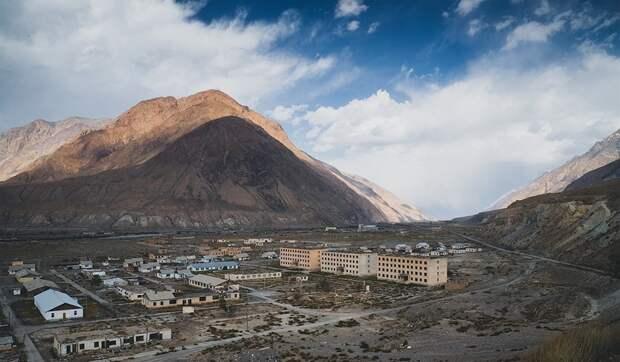 6 постапокалиптичных фото заброшенных городов Кыргызстана