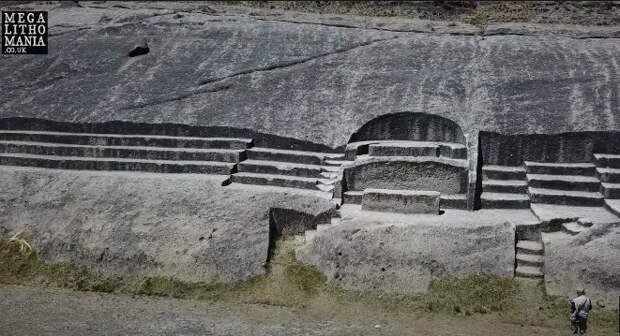 Кеньюани: загадочное сооружение на озере Титикака
