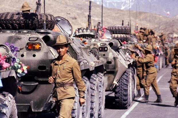 Почему СССР ввел войска в Афганистан? Ведь Брежнев был против
