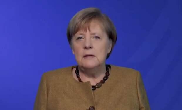 Меркель призвала к борьбе с насилием немок