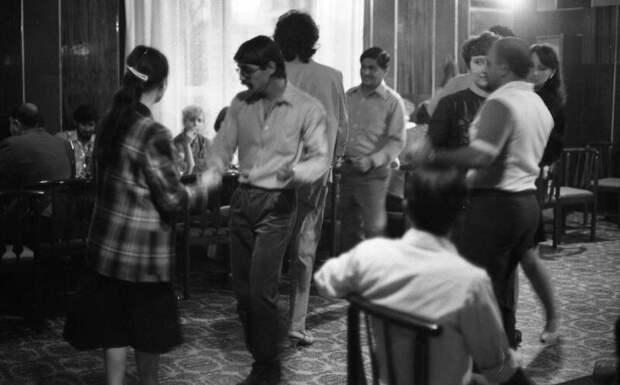 10. СССР, дискотеки, лихие 90-е, танцы ссср, фото