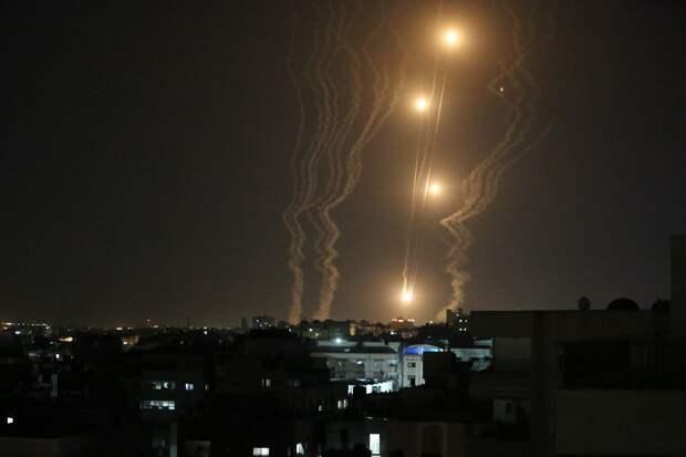 Опубликованы кадры перехвата палестинских ракет системой «Железный купол»