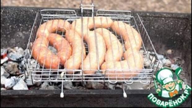 Острые колбаски для мангала или гриля