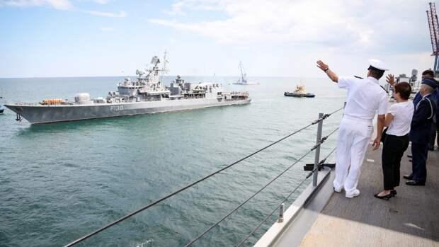 Геополитик Соколов: страх толкает корабли НАТО в Черное море