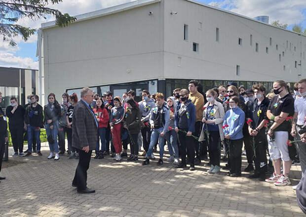 В филиале Центрального военно-морского музея «Дорога жизни» на Ладоге  ветераны встретились с молодежью