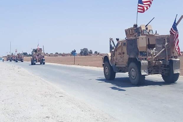Российские военные блокировали колонну армии США в Сирии