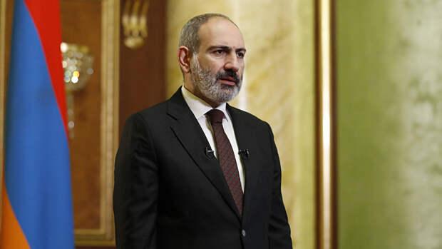 Пашинян написал Путину с просьбой о помощи из-за ситуации на границе с Азербайджаном